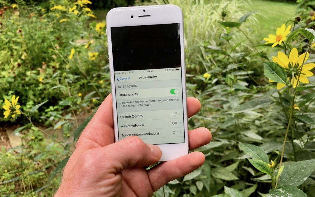 A Hidden Trick that Lets You Navigate Your iPhone with One Hand